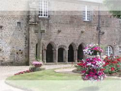 Abbaye Notre Dame à Lonlay l'Abbaye