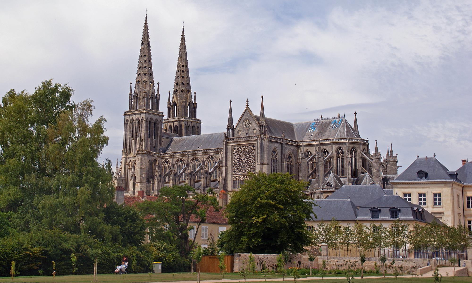 Cathédrale de Sées vue extérieure